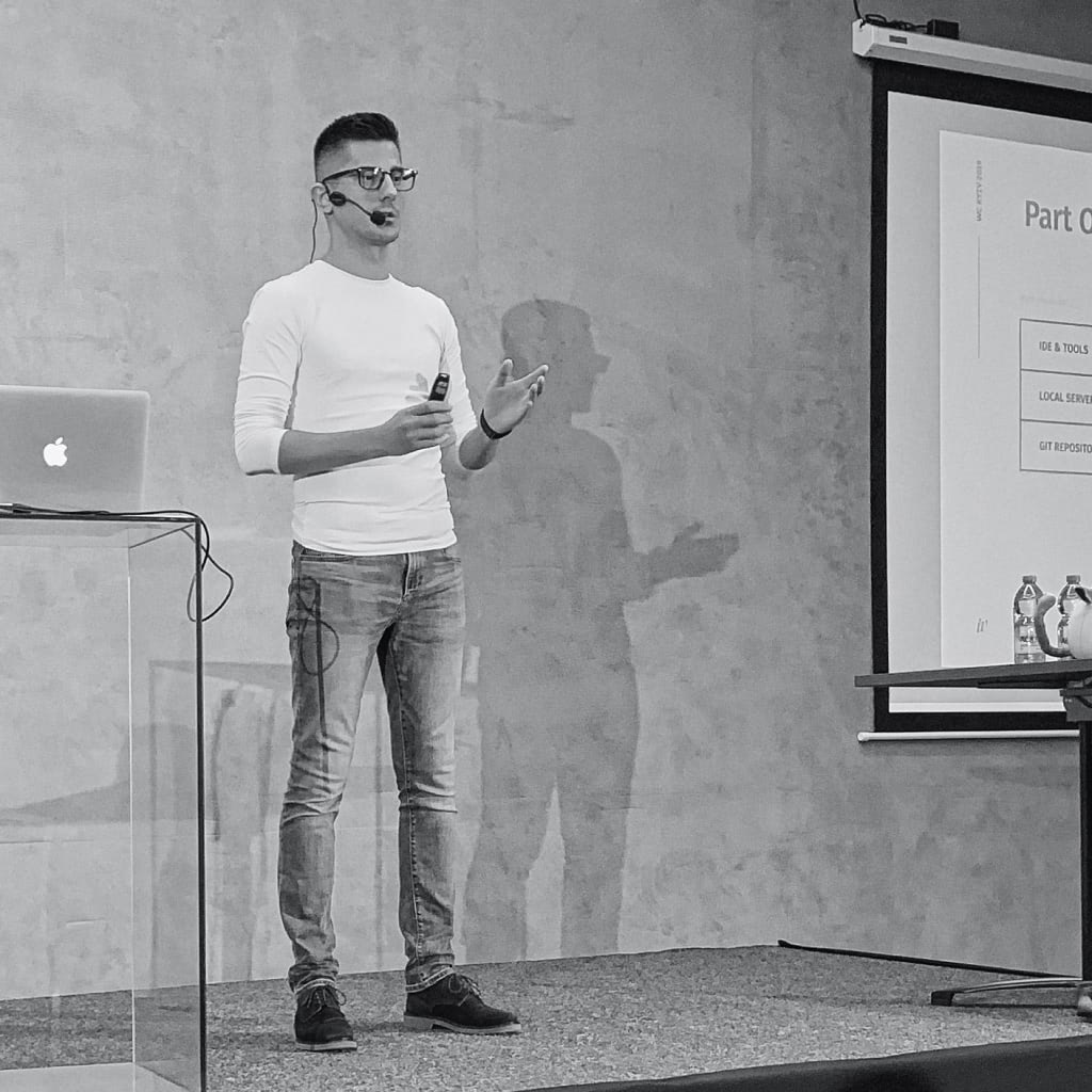 Ihor Vorotnov speaking at WordCamp Kyiv 2019